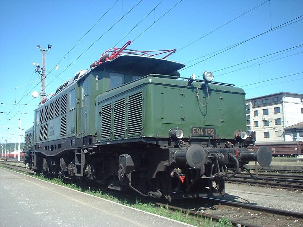 E94192b