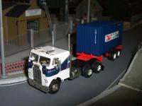 Rtrfreightlinerw20containercmacgm