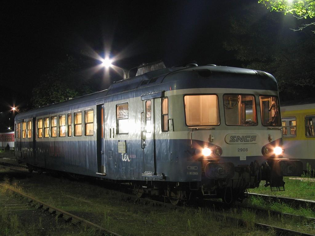 X2800